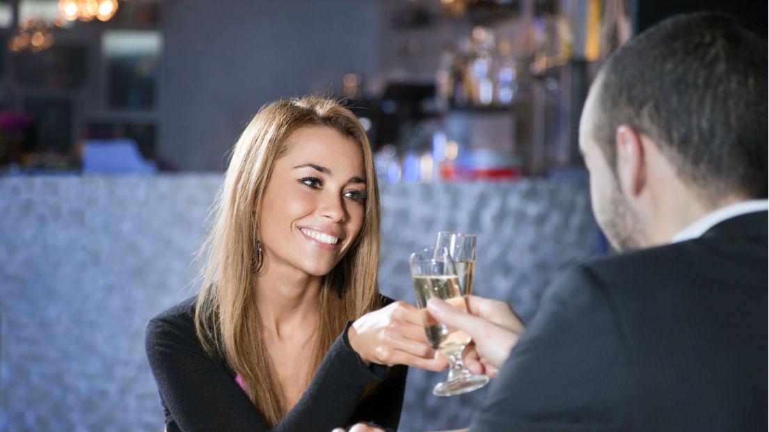 Знакомства в ресторане